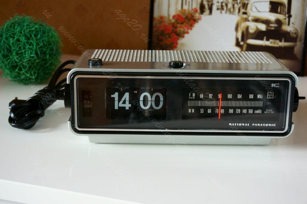 Перекидные настольные часы Panasonic